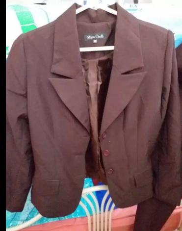 Conjunto de vestir marca Mina Caelli