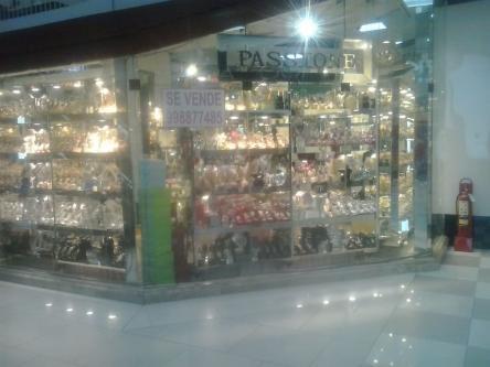 1 Cuarto, 80 m² – Venta de local comercial en centro comercial caminos del inca