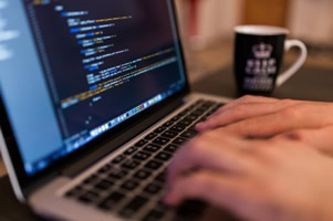Desarrollo de sistemas a medida, trabajo como Programador analista desarrollador freelancer